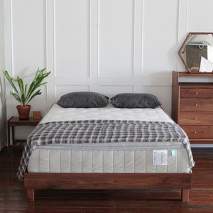 WALNUT BED R