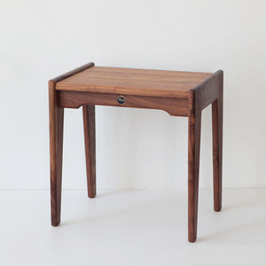WALNUT STOOL S
