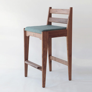 WALNUT HIGH CHAIR S_F